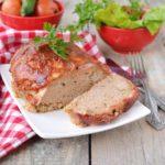 Американский мясной рулет и капустный салат