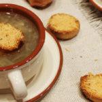 Луковый суп (Soupe à l'oignon)