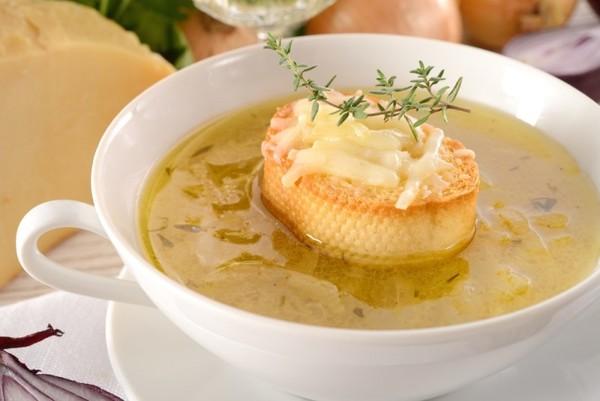Знакомьтесь, французский шедевр – луковый суп