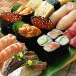 Роллы с красной рыбой и авокадо