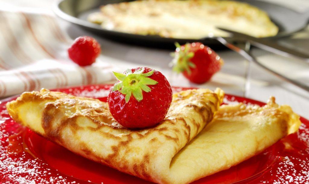 блюдо французской кухни Блинчики