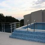 Аренда 2-х этажная новая вилла с бассейном в Утехе с включенным питанием